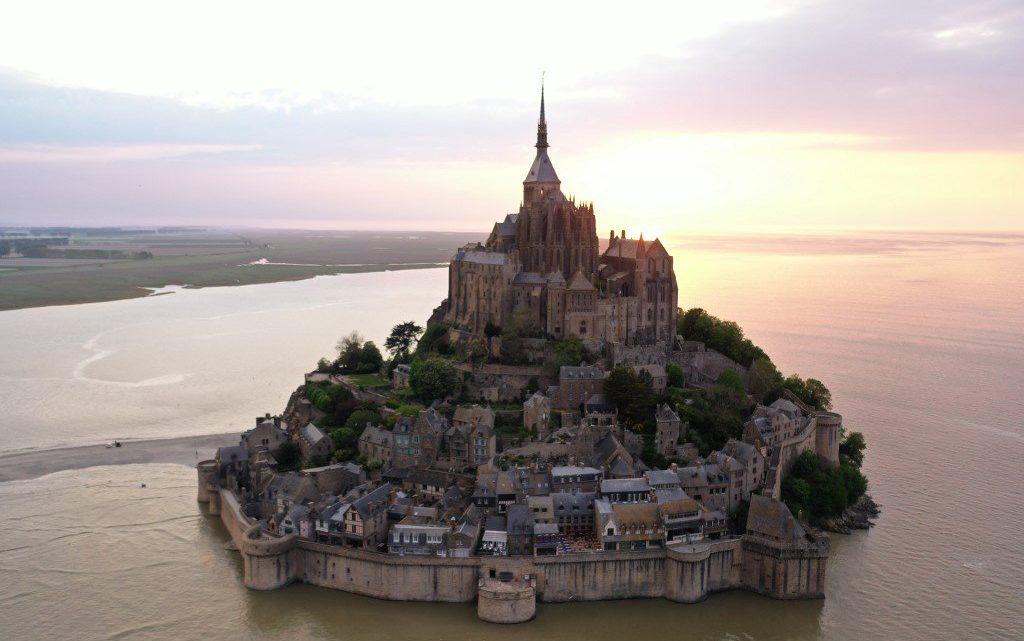 Parc Astérix, Château de Versailles, Mt-St-Michel, Disneyland… où en sont les réouvertures ?