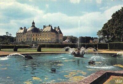 château et fontaine de fontainebleau
